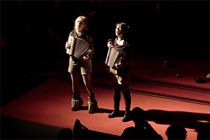Das Duo YODELIRYA beim Hornjuchzen 7 am 15.12.2019 in der Taborkirche in Berlin-Kreuzberg